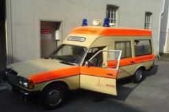Sanitätsdienst-Tennagels-MB123-9_85-03-Seitenansicht-ex.-KTW3-B26D