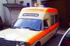 Sanitätsdienst-Tennagels-MB123-9_85-03-Seitenansicht3-ex.-KTW3-424C