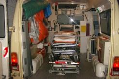Sanitätsdienst-Tennagels-MB207-9_85-01-Einblick-von-Hinten-ex.-KTW1-C312