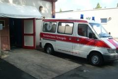 Sanitätsdienst-Tennagels-Sprinter-212-1_85-01-im-Movie-Park-Germany-ex.-KTW1-6262